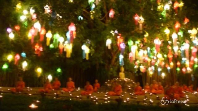 Parte il Festival delle lanterne in Thailandia