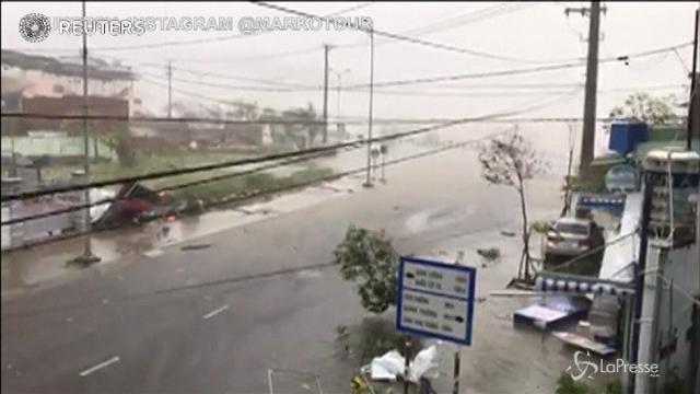 Il tifone Damrey si abbatte sul Vietnam a pochi giorni dal vertice Apec