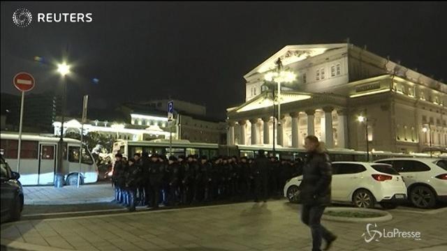 Mosca, evacuato teatro Bolshoi dopo allerta bomba