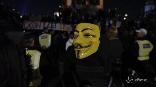 """Million Mask"": Anonymous a Londra contro il governo"