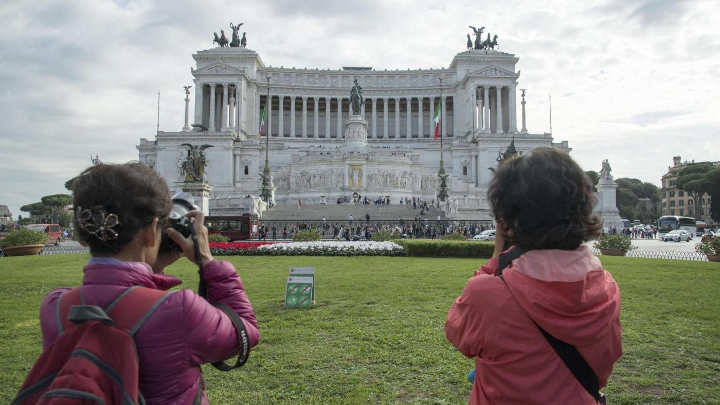 È record per il turismo italiano: oltre 420 milioni di presenze, il 4,2% in più sul 2016