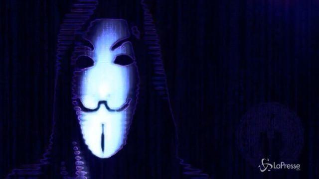 Anonymous colpisce Italia e Parlamento Europeo