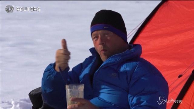 Al Polo Sud, a piedi, solo con l'energia solare