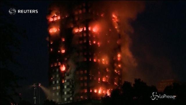 Grenfell Tower, a 5 mesi dalle fiamme trovati gli ultimi due corpi