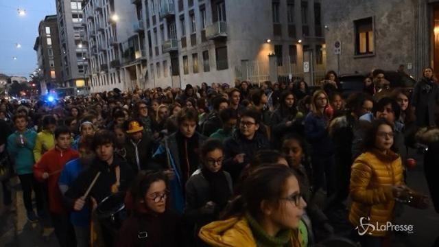 Milano, in centinaia alla marcia di Unicef per i diritti dei bambini