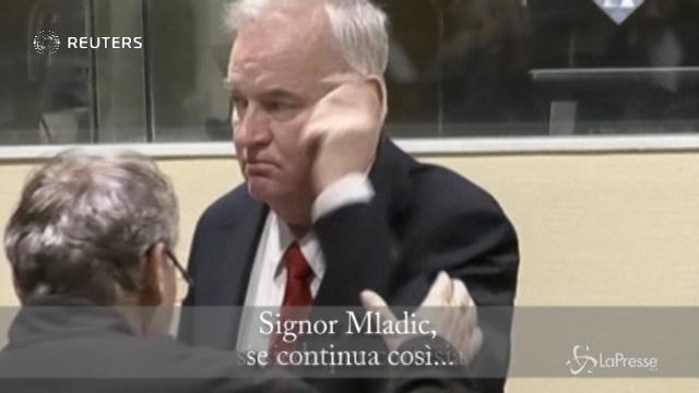 Tribunale dell'Aja: Mladic allontanato dall'aula