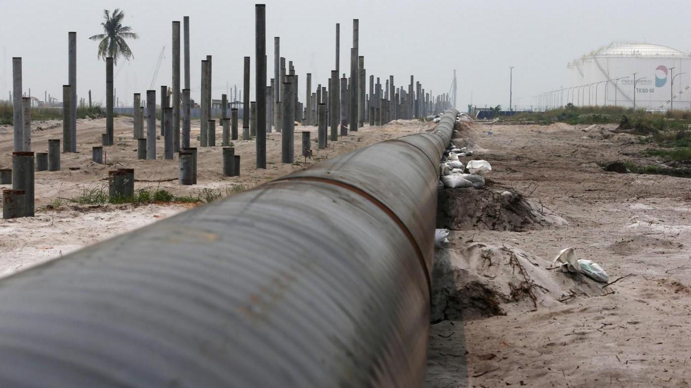 I prezzi del petrolio schizzano a 60 dollari al barile dopo il caso dell'oleodotto