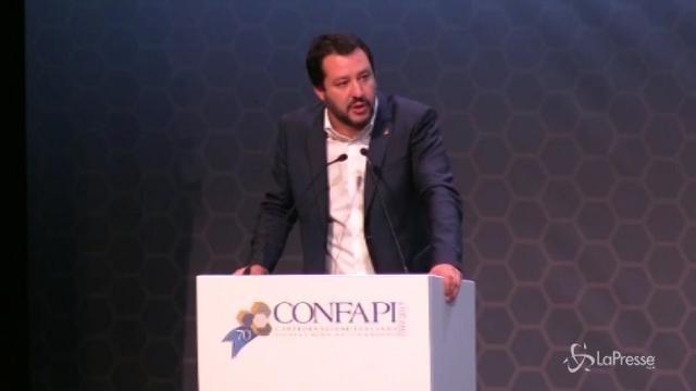 """Pensioni, Salvini: """"Per difendere i diritti in piazza con chiunque"""""""