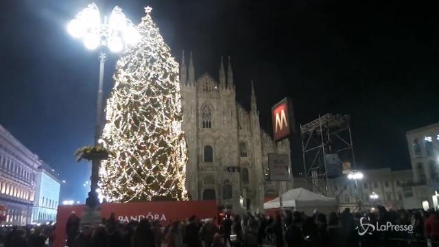 Natale: 208 euro a famiglia per i regali