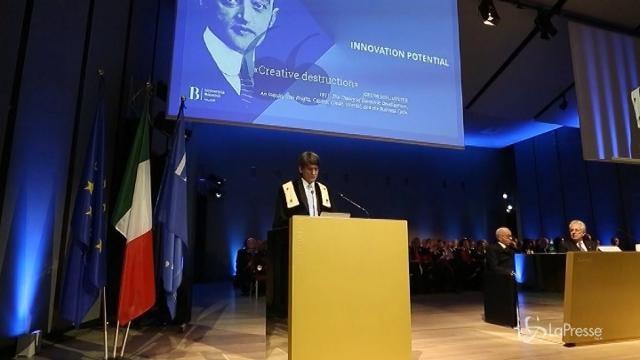 """Bocconi, Monti inaugura l'anno accademico: """"Innovare rapidamente"""""""