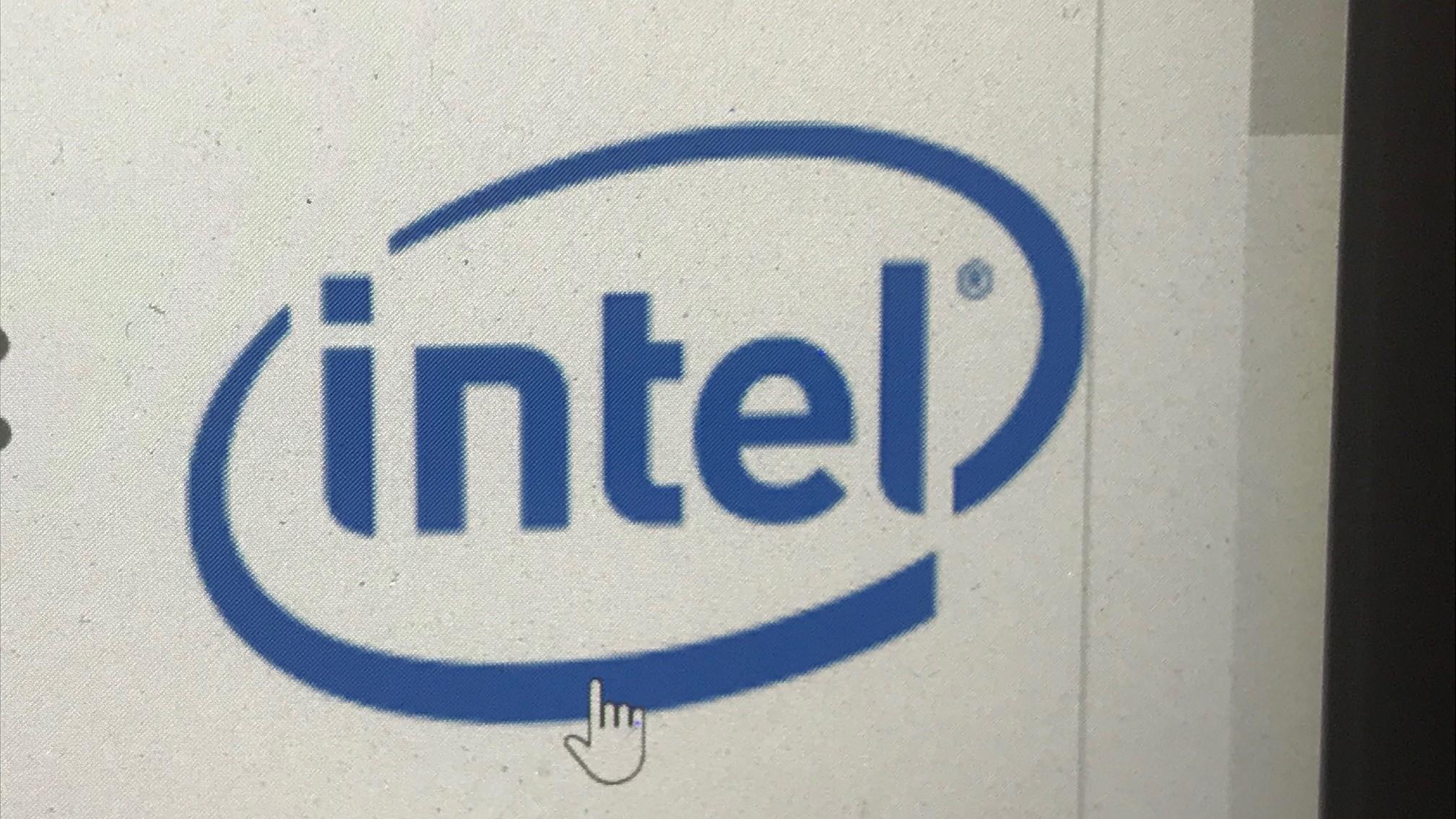 Problemi nei chip Intel, allarme sicurezza per pc e tablet