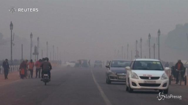Lo smog tossico torna a Nuova Delhi