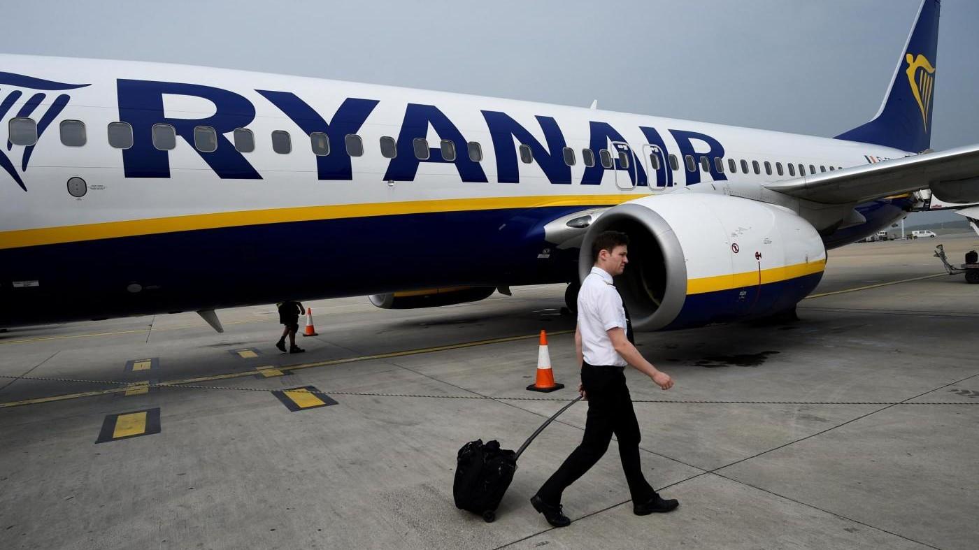 """Ryanair, il trolley scende in stiva. Dona: """"A patto di certezza e informazione"""""""