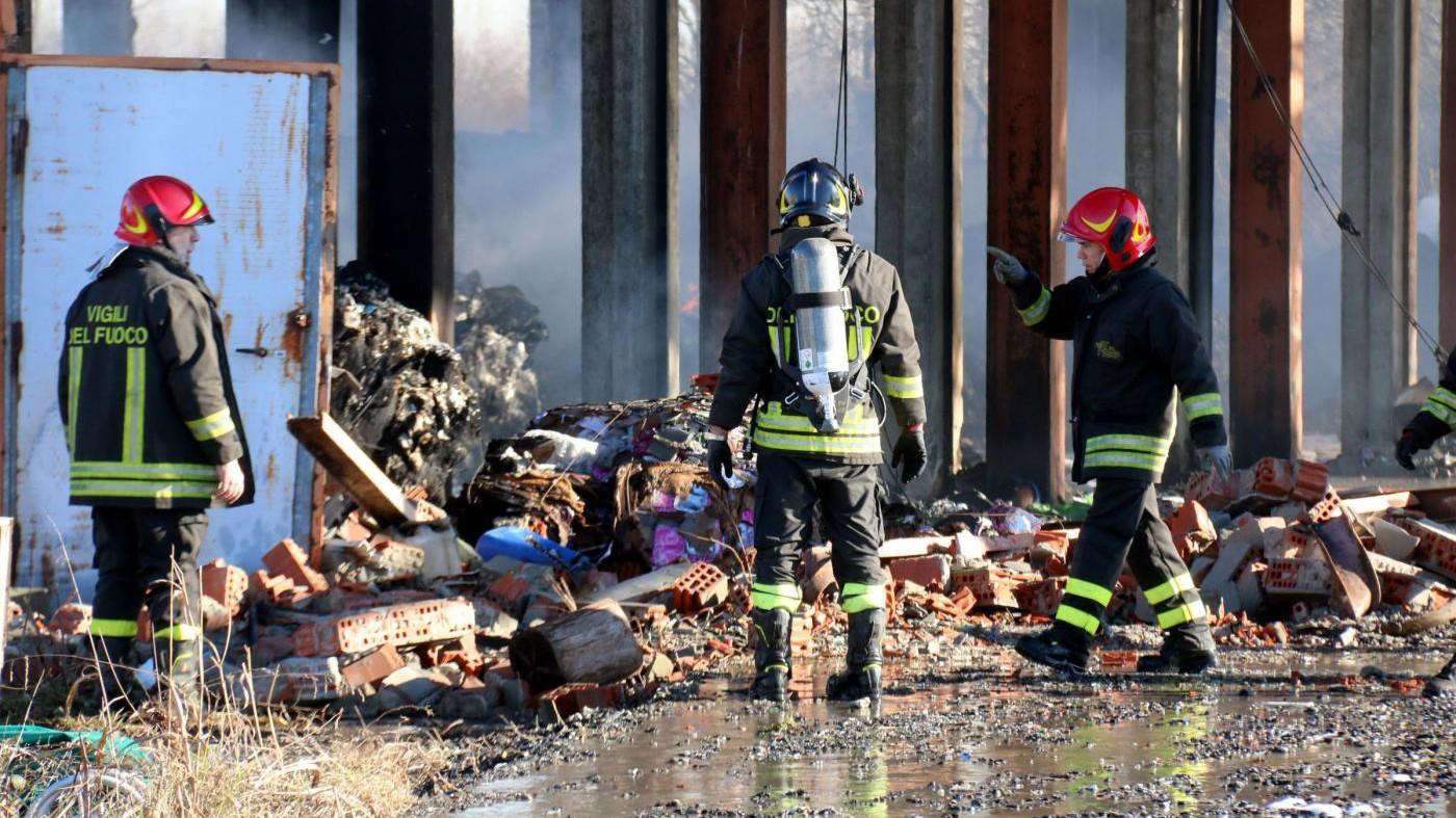 Arezzo, esplode bombola e crolla casa: estratto da macerie uomo ferito