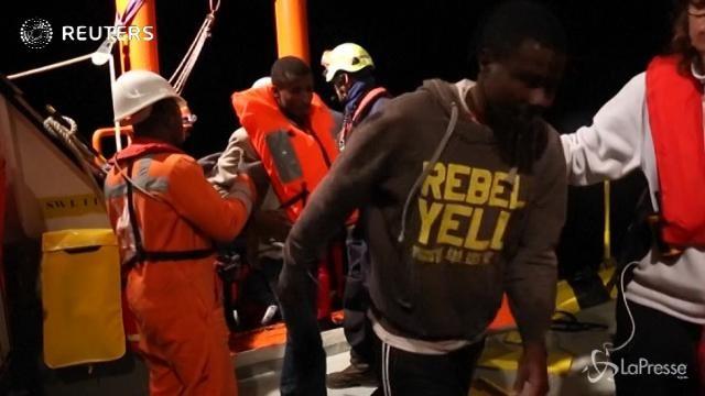 Migranti, più di 100 persone salvate al largo della Libia