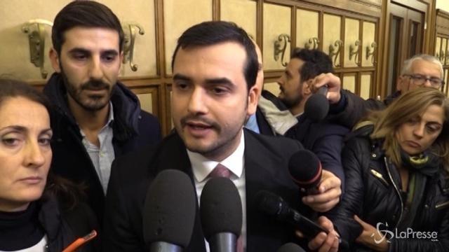 """Banca Etruria, M5s: """"Il Pd la smetta di giocare con le parole"""""""