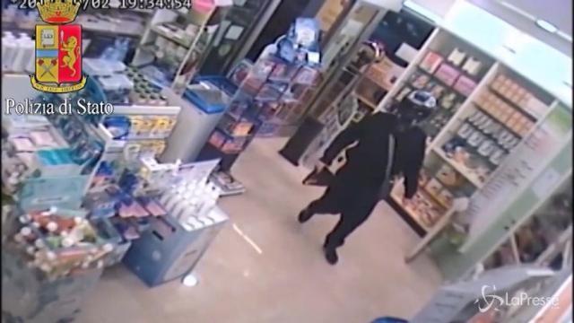 Milano, arrestato rapinatore seriale: 8 colpi nella stessa farmacia