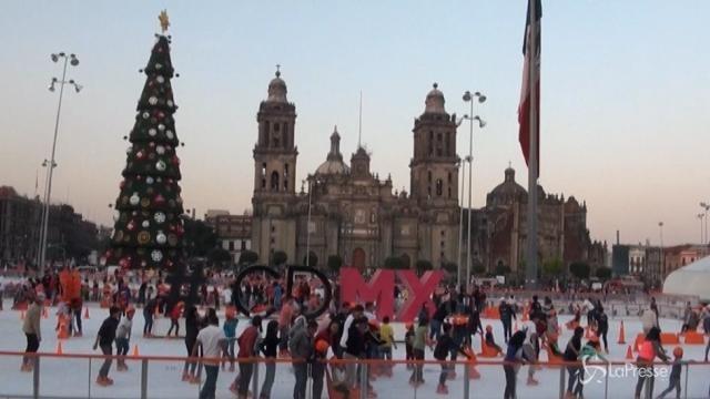 Divertimento sul ghiaccio a Città del Messico