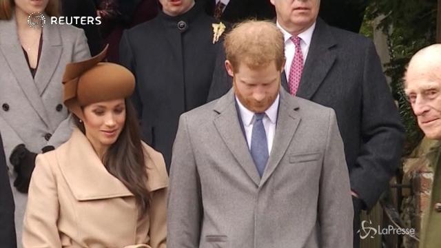 Meghan Markle e l'inchino alla Regina