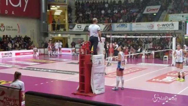 Volley femminile, sospesa per malore gara tra Busto Arsizio e Novara