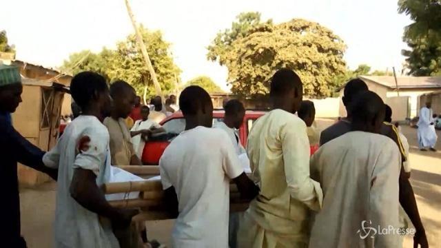 Nigeria: attentato in moschea, 14 morti