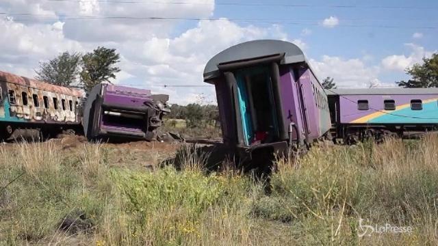 Sudafrica, incidente ferroviario a Kroonstad: 14 morti