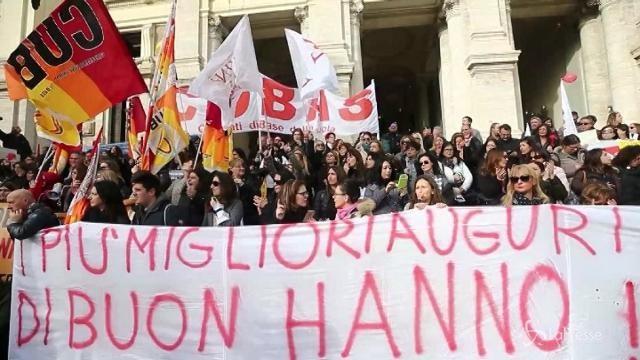 Sciopero docenti, la protesta davanti al Miur