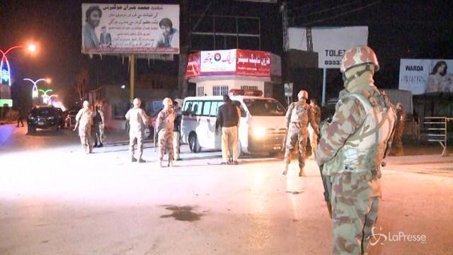 Pakistan, attacco kamikaze a Quetta: almeno 6 vittime