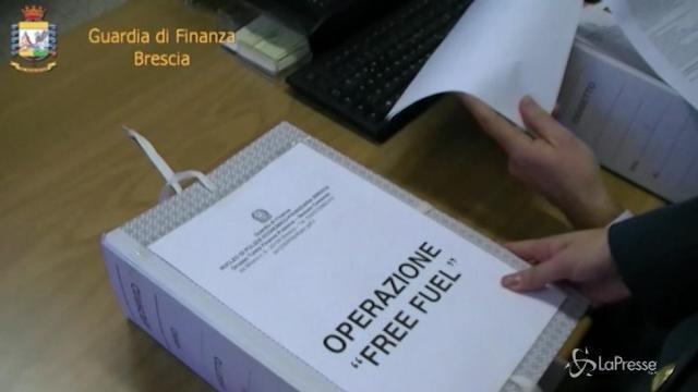"""Frode fiscale su benzina, procuratore Brescia: """"Nei pizzini riferimenti alla camorra"""""""