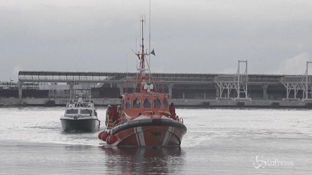 Spagna, 150 migranti salvati al largo di Malaga
