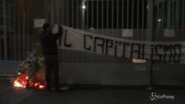 Milano, incidente alla Lamina: il presidio davanti alla sede