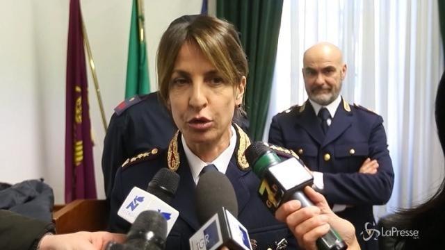 """Vandali in metro a Milano, polizia: """"In gruppo reazioni di devastazione"""""""