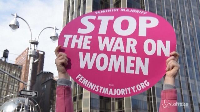 New York, la marcia delle donne contro Trump