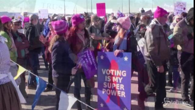 Las Vegas, le donne in marcia contro Trump