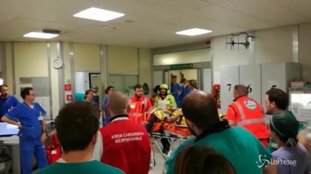 Treno deragliato: i feriti arrivano in ospedale