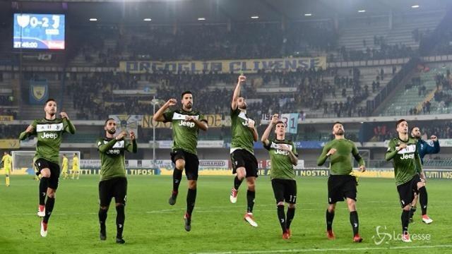 La Juve vince contro il Chievo: notte da capolista