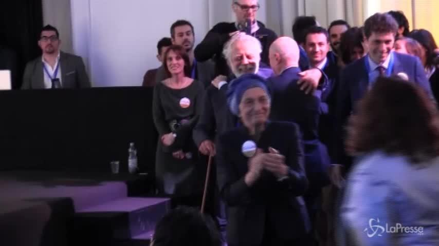 Kermesse Bonino, Sandrelli invita Staino a ballare