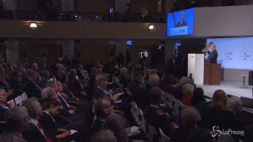 """Netanyahu contro Teheran: """"Ministro Zarif, questo pezzo di drone è vostro"""""""