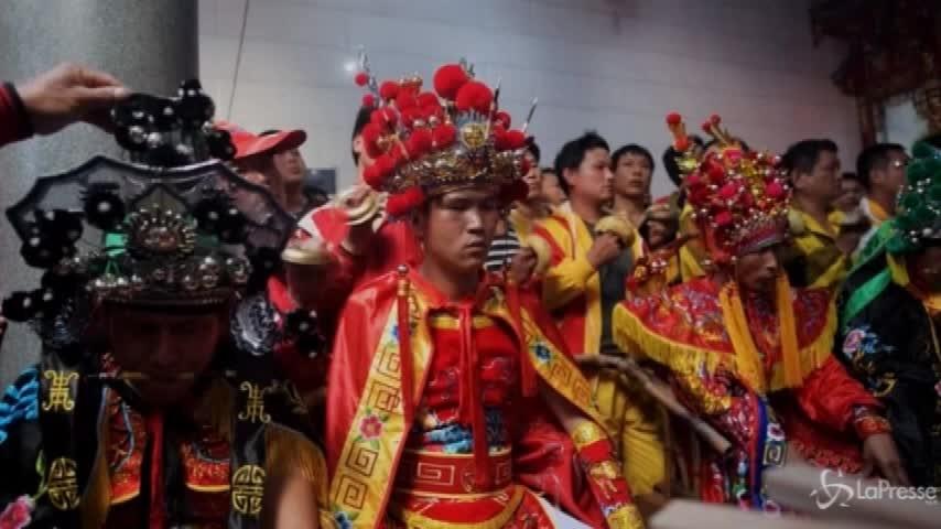 In Cina, dove la pesca è fatta di canti e balli