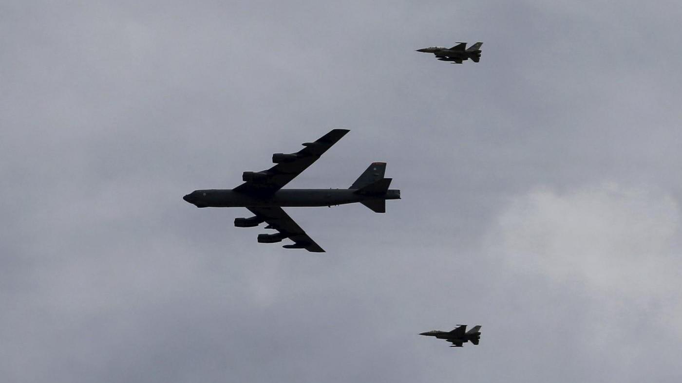 Nord Corea, sale la tensione: Usa verso allerta bombardieri nucleari B52