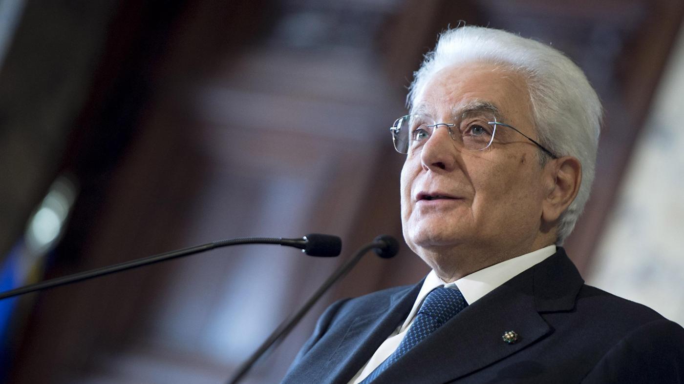 Mattarella condanna gli adesivi antisemiti: Disumani e allarmanti