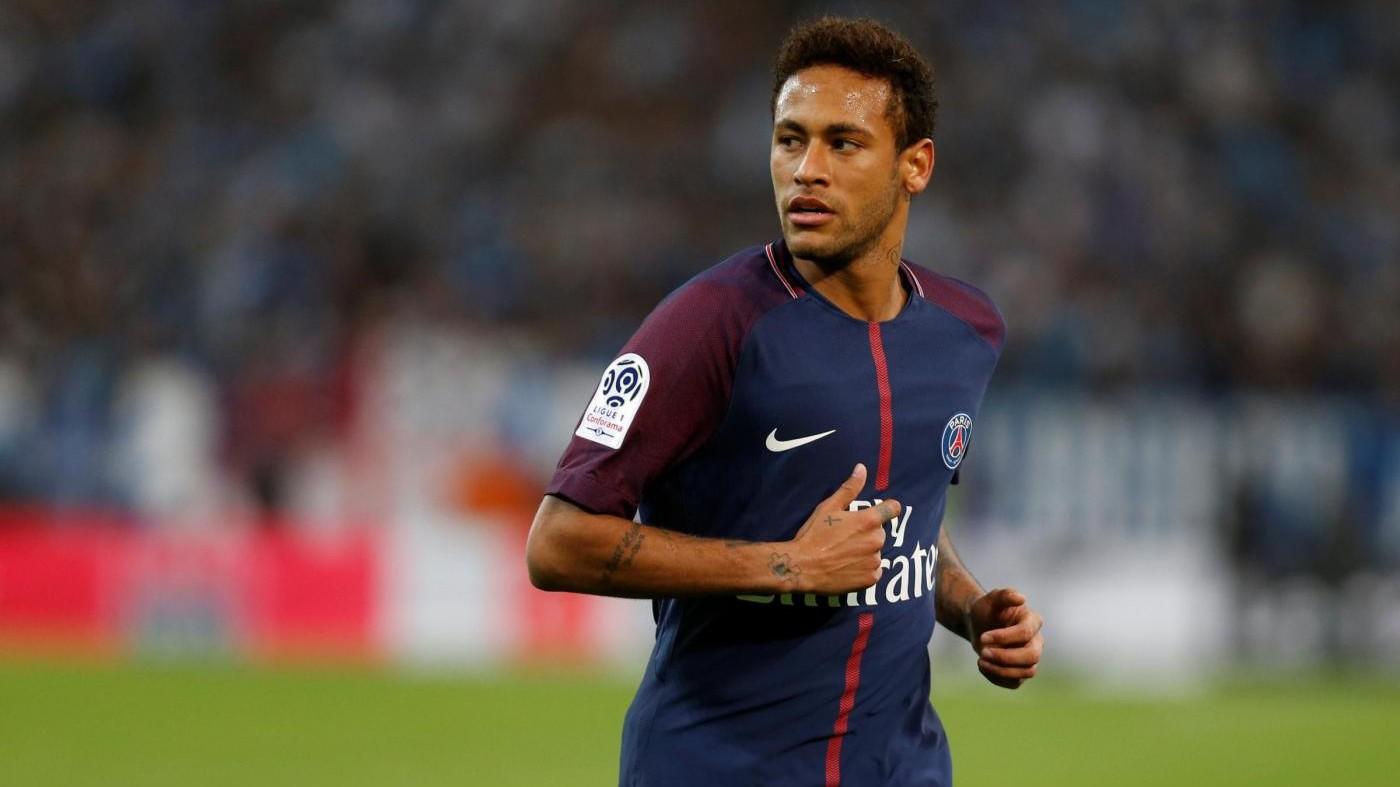 Psg, dai fisioterapisti ai loghi personalizzati: i privilegi di Neymar che irritano i compagni
