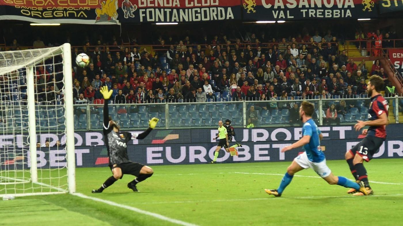 Super Mertens, ma il Napoli fatica a Genova: 2-3