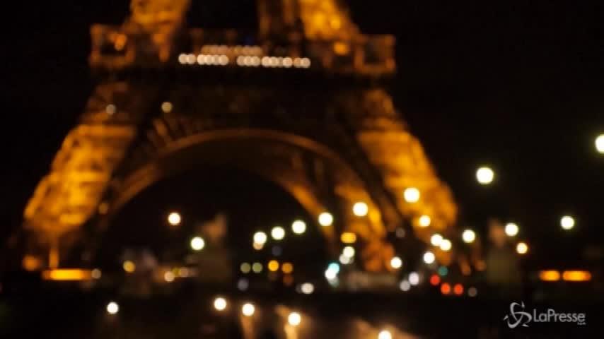 La scalata sulla Torre Eiffel: di corsa sui 1.665 gradini