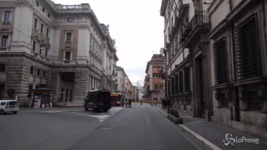 Roma, le Frecce Tricolori festeggiano la nostra Bandiera