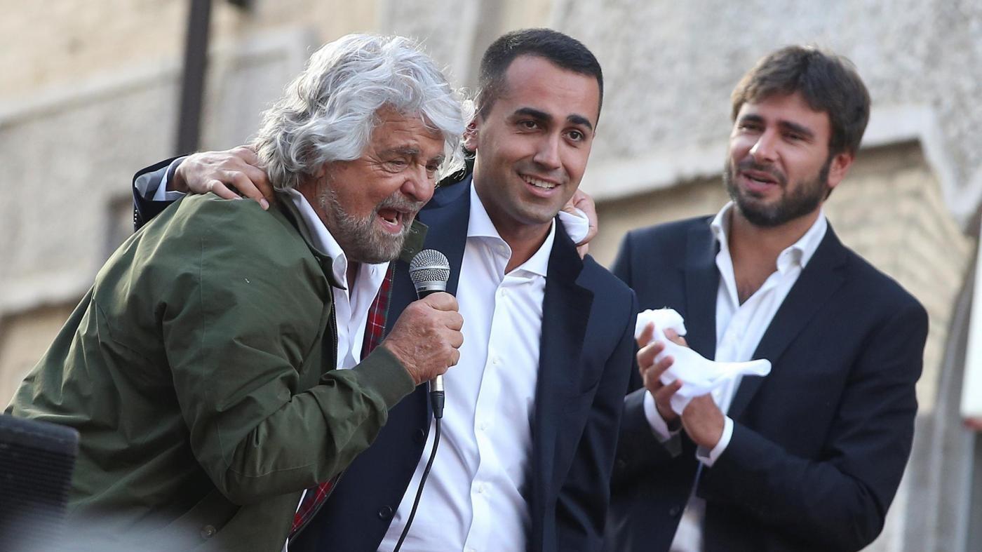 """Di Maio: """"Mattarella non firmi la legge"""". D'Alema """"Gentiloni è un bugiardo"""""""