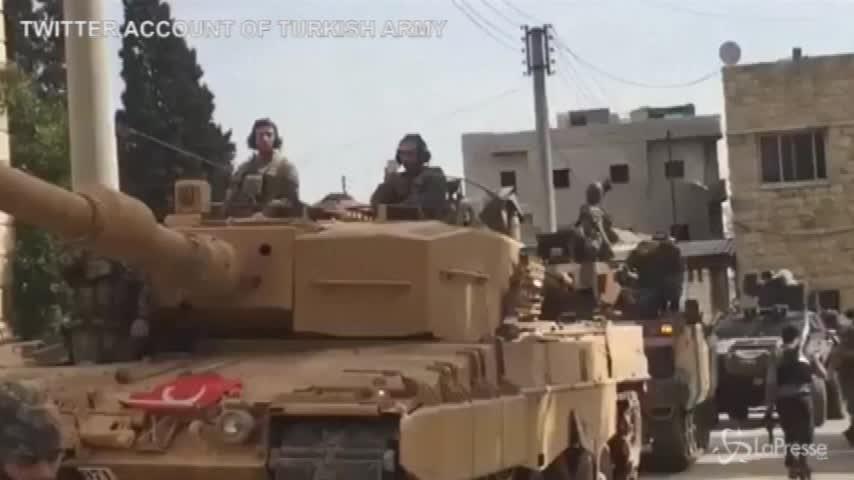 Siria, l'esercito turco entra a Afrin
