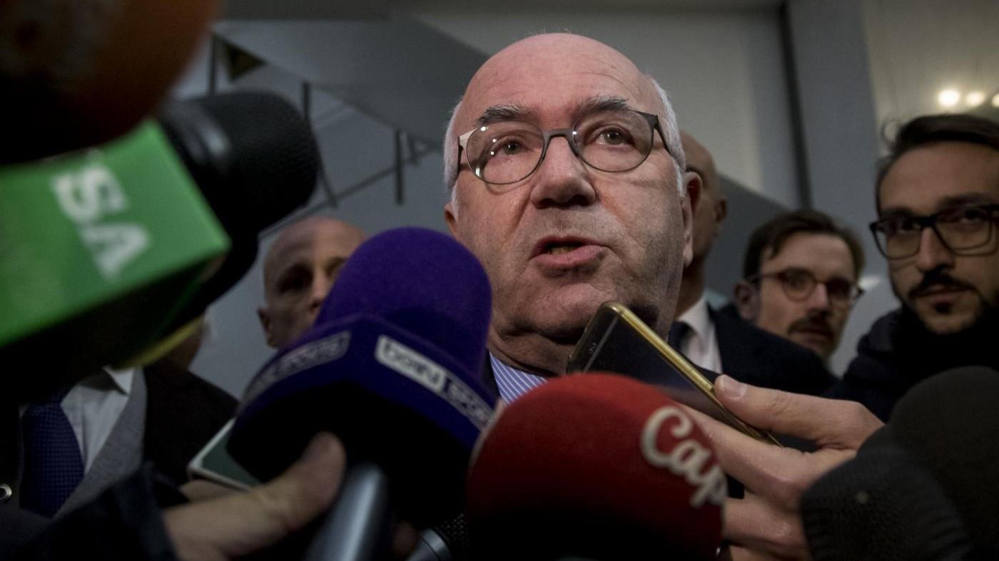 """Vertice Figc, Tavecchio resiste: """"Non me ne vado"""". Ventura esonerato: non è più il Ct"""