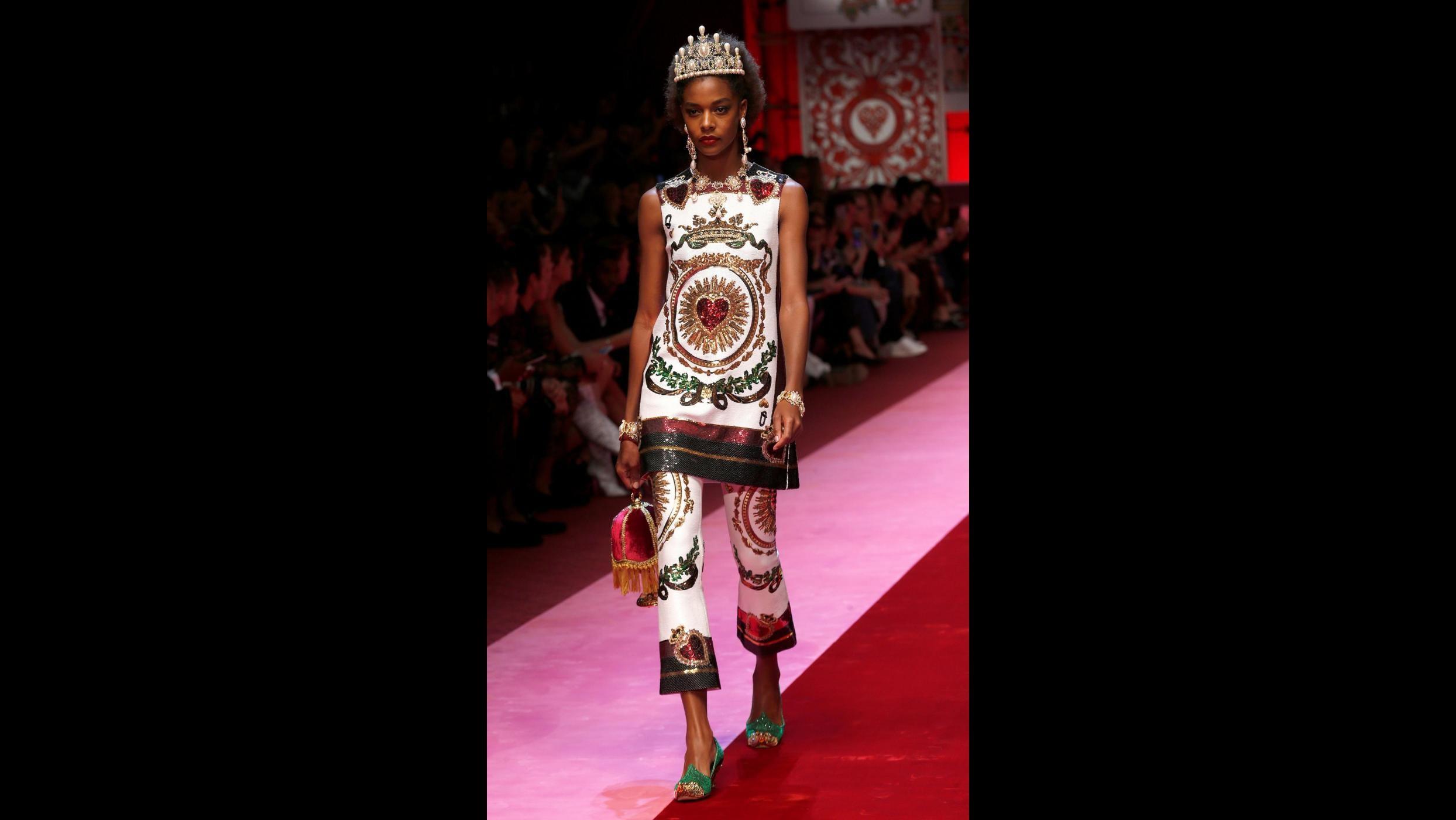 Una regina di cuori in passerella: la donna Dolce&Gabbana