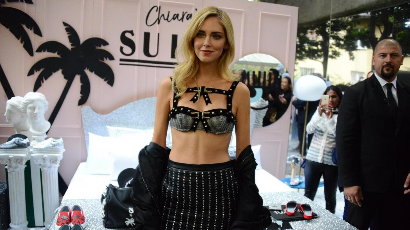 Chiara Ferragni presenta la sua collezione di moda a Milano
